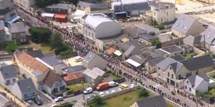 Tour de France, journée historique à Saint-Martin-de-Bréhal !